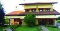 Offene-Gelenkarmmarkise-gelb-Villa