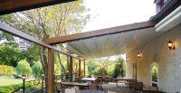 Holz-Terrassenueberdachung-Gastronomie-Aussenbereich